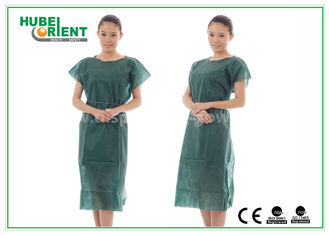 Nonwoven Hospital Isolation Gowns / PP Nursing Hospital Gown For Women , CE Standard